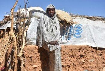 Najla Umda Adam Suleiman, de 19 anos, fugiu com a família para o Chade quando tinha apenas três anos de idade após o conflito em Darfur.