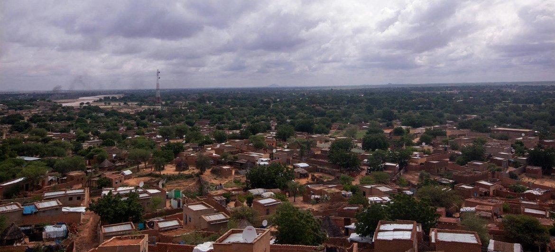 الجنينة، غرب دارفور حيث أدت الاشتباكات القبلية إلى مقتل وإصابة وتشريد مدنيين.