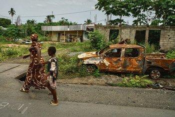 Civis do noroeste e sudoeste de Camarões sofrem o impacto da violência e vivem com medo.