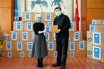 联合国开发计划署向中国政府提供了重要的医疗物资。