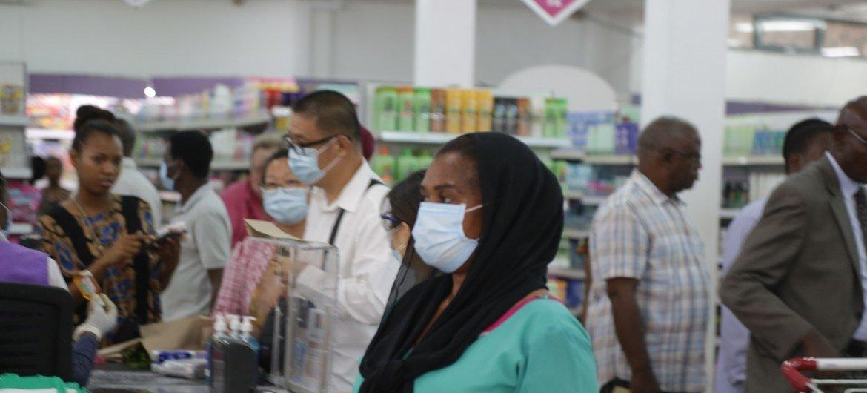 दारेसलाम में कोविड-19 के संक्रमण से बचने के विशिष्ट उपाय लागू किए गए हैं. विश्वव्यापी स्तर पर सावधानी बरतने की सलाह दी गई है और भ्रांतियों व अफ़वाहों से बचना भी ज़रूरी है.