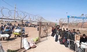 Unos 136.000 afganos han regresado a casa desde Irán desde que comenzó el año.