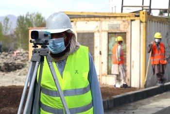 Trabalhadores em Kabul, no Afeganistão. Estimativado tempo de trabalho globaldesperdiçadono segundo trimestre deste anoé de17,3%.