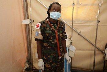 Private  Monica Constantino Nyagawa, analinda amani nchini Jamhuri ya Kidemokrasia ya Congo, DRC chini ya bendera ya Umoja wa MAtaifa. Yeye anatoka Tanzania.