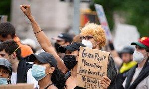 Manifestation à New York en juin 2020 contre le racisme et les brutalités policières à la suite de la mort de George Floyd.