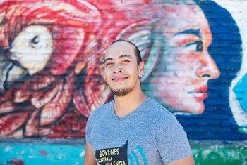 Santiago Ávila es el director de Jóvenes Contra la Violencia, una organización que lucha contra las pandillas en Honduras.