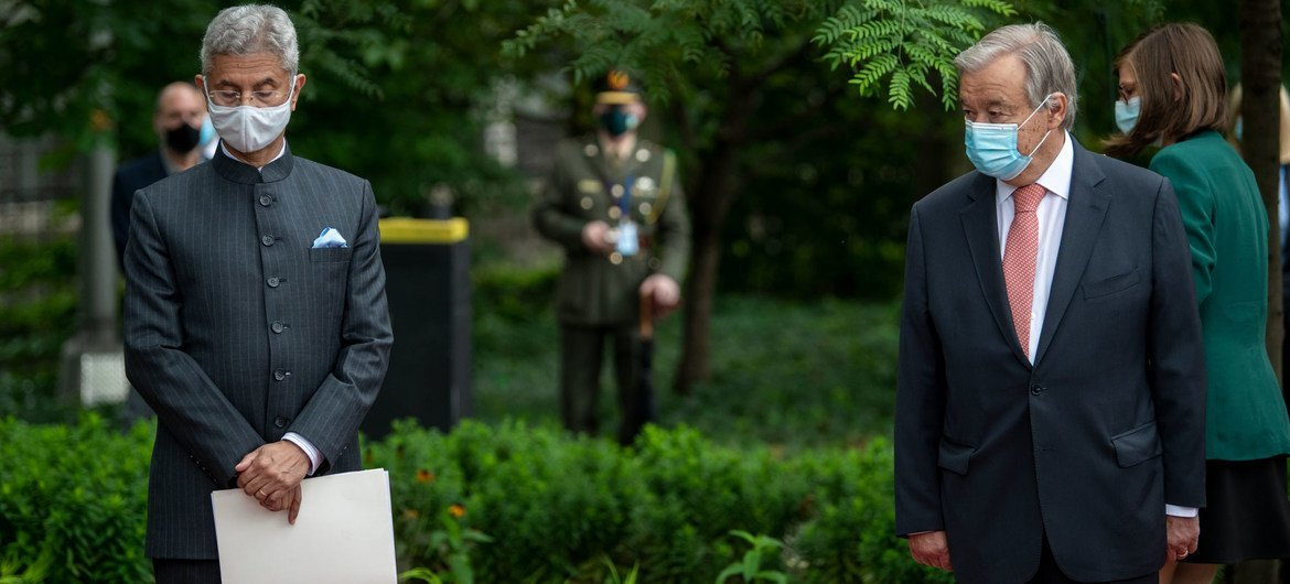 United Nations Secretary-General António Guterres (right) joins Subrahmanyam Jaishankar, External Affairs Minister of India, astatine  a ceremonial  astatine  the New York Headquarters of the UN to admit   the work  of peacekeepers.
