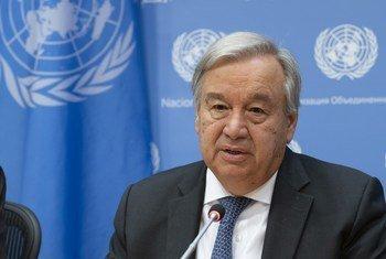 Katibu Mkuu wa UN Antonio Guterres akizungumza na wanahabari kwenye makao makuu ya Umoja wa Mataifa.
