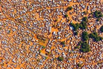 Expansión urbanística en la ciuad de Bobo Dioulasso, Burkina Faso.
