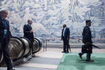 第七十三届联合国大会高级别周期间在联合国总部的场景。代表们在大会第七十三次一般性辩论的第一天抵达联合国总部