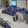 यूएन प्रमुख एंतोनियो गुटेरेश बर्लिन में जर्मन संसद को सम्बोधित करते हुए (दिसम्बर 2020)