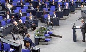 الأمين العام للأمم المتحدة يلقي خطابا أمام البرلمان الألماني (البوندستاغ). 18 كانون الأول/ديسمبر 2020.
