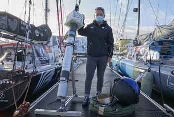 Non seulement ces navigateurs participant au Vendée Globe doivent affronter les éléments mais ils aident aussi les scientifiques dans la préservation des océans.