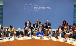 المستشارة الألمانية أنجيلا ميركل تخاطب مؤتمر برلين حول ليبيا إلى جانب الأمين العام أنطونيو غوتيريش
