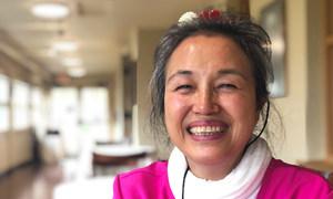 Novena Sánchez emigró de Filipinas a Hawai.