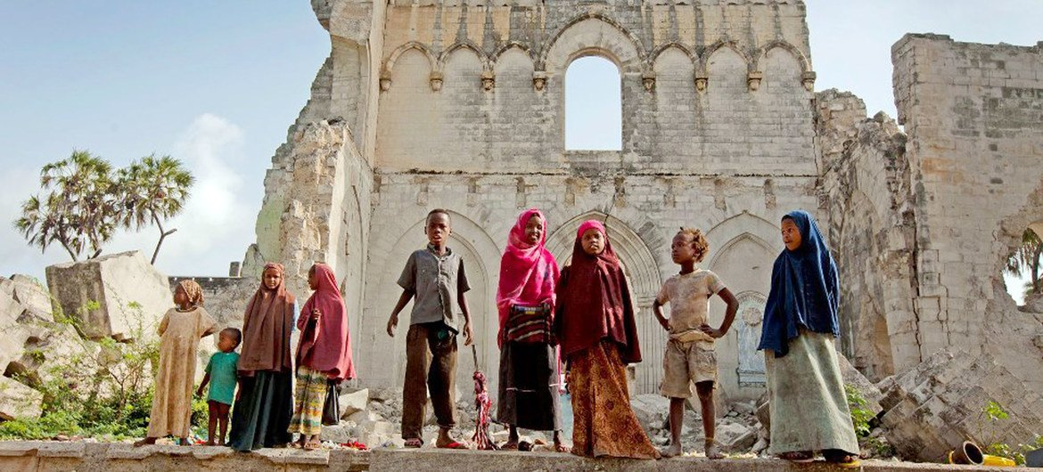 Children stand before the remains of Mogadishu cathedral, built by the Italian colonial authorities in Somalia. (file)