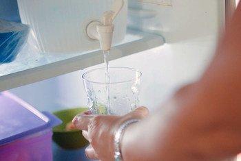 El agua potable es vital para que las comunidades se mantengan sanas y a salvo durante la pandemica de COVID-19