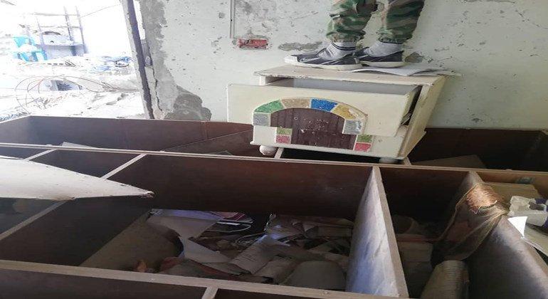 غرفة الصحفي مصطفى الدبّاس مدمرة في منزله بسوريا.