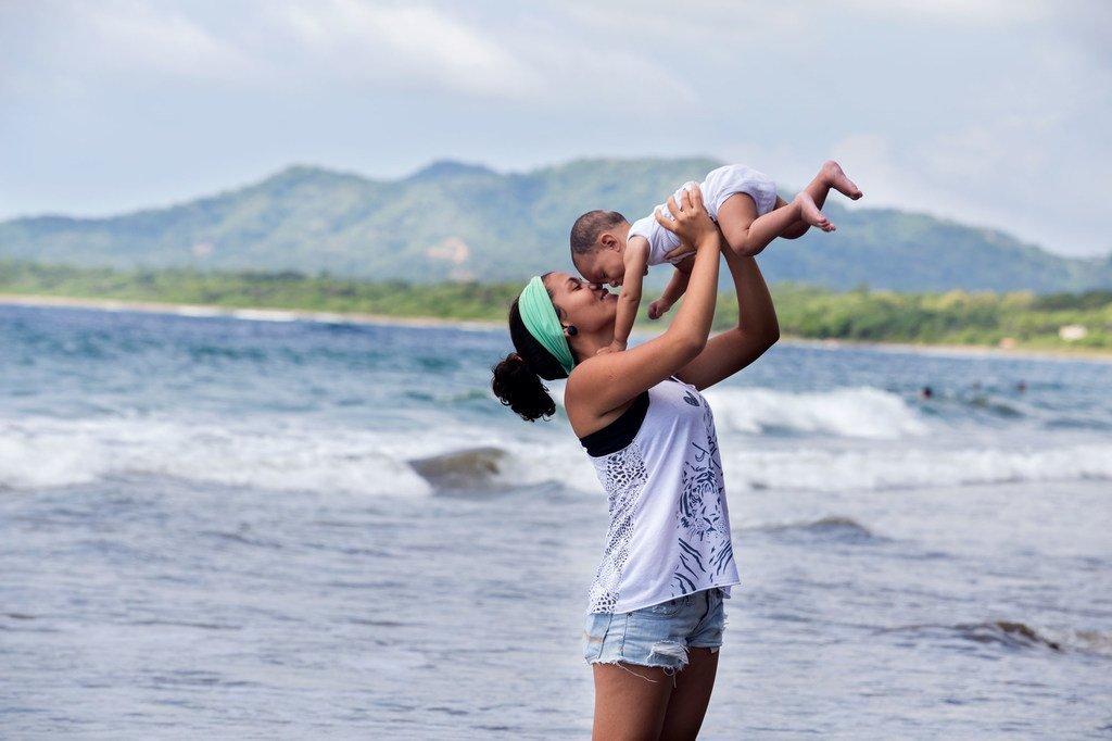 哥斯达黎加拥有强有力的全民医疗覆盖体系,覆盖几乎95%的人口,该国预期寿命达到79.6岁,是全球预期寿命最高的国家之一。