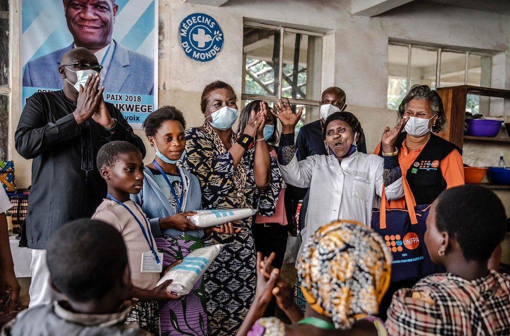 La Directrice exécutive de l'UNFPA, Dr Natalia Kanem, visite un hôpital en République démocratique du Congo.
