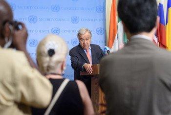 O secretário-geral António Guterres falando aos jornalistas sobre a crise em Tigray, na Etiópia