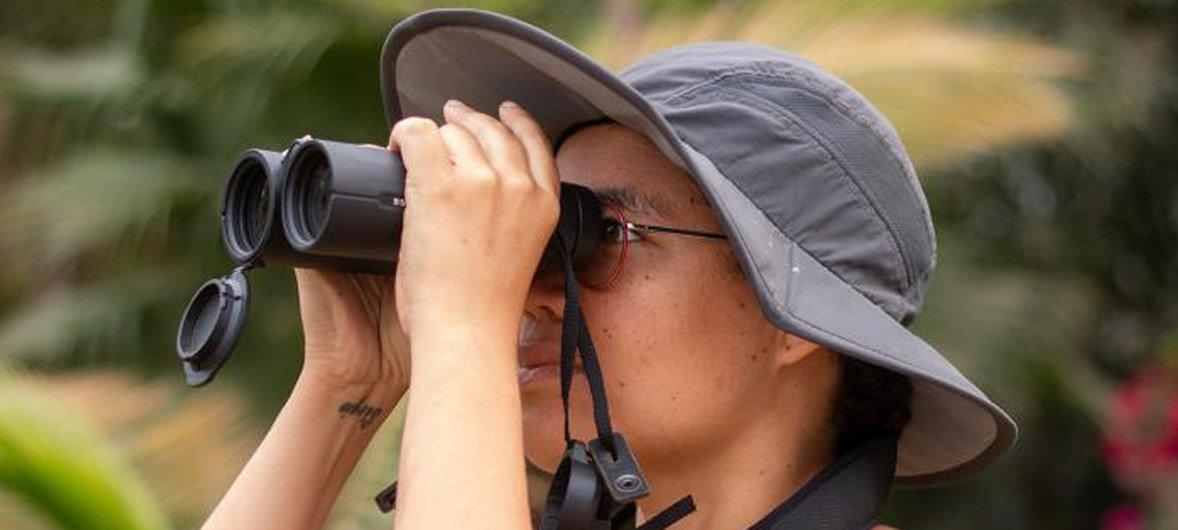 Adjany Costa trabalha com as comunidades locais do Okavango para conservar a vida selvagem e os ecossistemas.