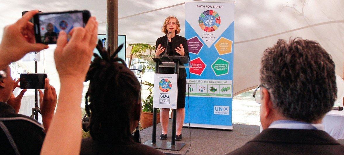La directora ejecutiva del Programa de las Naciones Unidas para el Medio Ambiente, Inger Andersen, durante una intervención en una reunión en Nairobi, en Kenya.