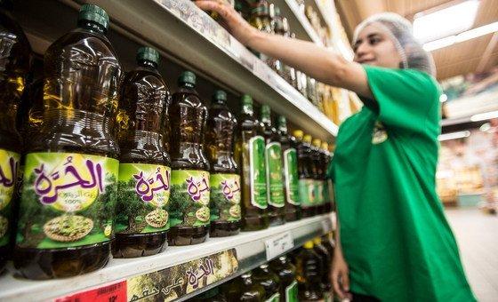 As agências também destacam que é importante melhorar a rotulagem de alimentos e mudar a composição de certos produtos para melhorar seu valor nutricional.