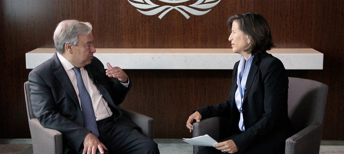 Secretário-geral da ONU em entrevista com a subsecretária-geral do Departamento de Comunicação Global, Melissa Fleming