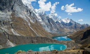 Cordilheira Huayhuash, no Peru. Os Andes contêm 99% das geleiras tropicais do mundo e 71% estão no Peru.