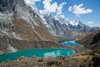 Андские Кордильеры в Перу. В Андах находится 99 процентов тропических ледников планеты.