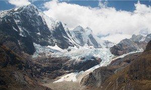 Durante um ano de seca, o derretimento das geleiras pode representar até 91% do suprimento de água em cidades como Huaraz.