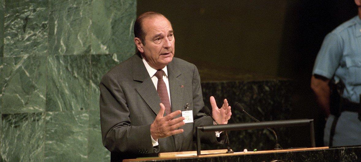 Chirac, de 86 anos, foi presidente da França durante dois mandatos, entre 1995 e 2007.