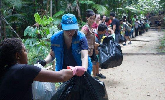 Taxas de coleta e reciclagem do e-lixo são baixas.