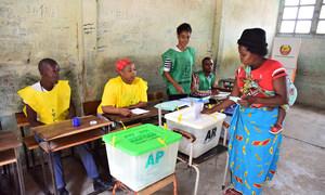 Local de votação nas eleições gerais em Moçambique.