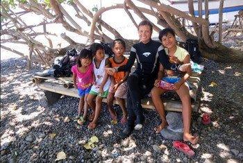 A médica brasileira Karina Dubeux relembrou os dias que viveu na Tailândia e que marcariam a vida dela para sempre.