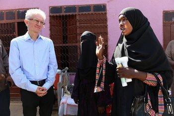 Mark Lowcock pediu à comunidade internacional que seja mais rápida e aumente o apoio humanitário ao Sudão.