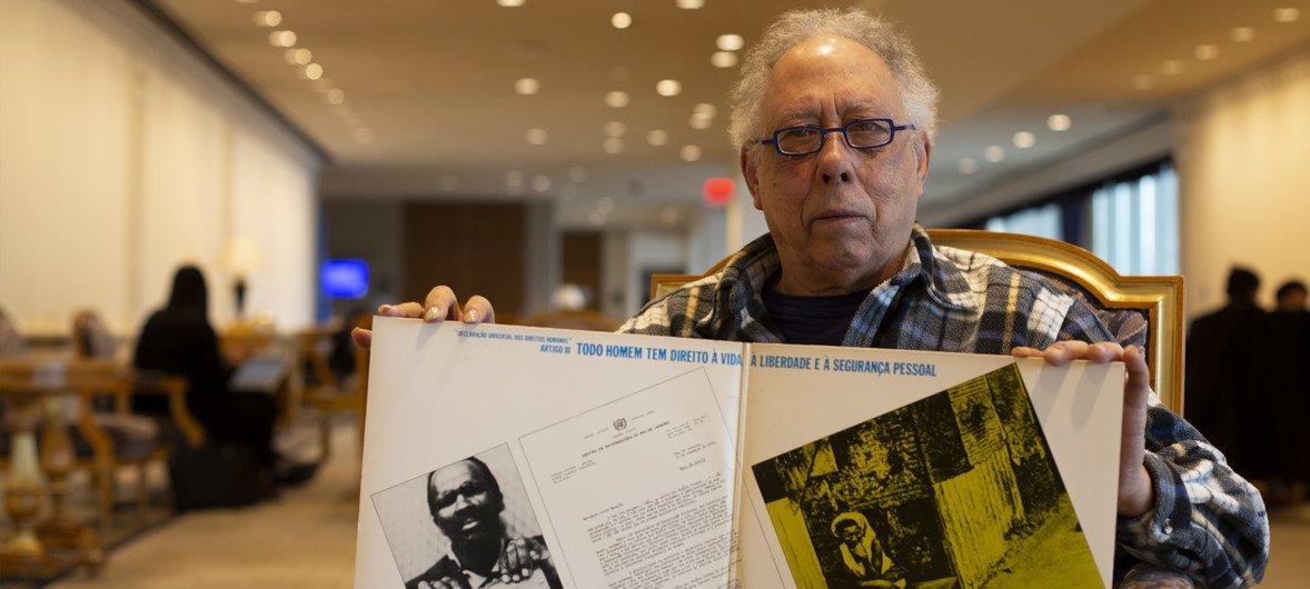 Jards Macalé relembra show da Declaração dos Direitos Humanos que aconteceu há 46 anos, no Rio de Janeiro.