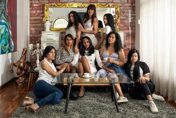 Mujeres trans del proyecto Familia Féminas, en su casa en Lima, Perú.