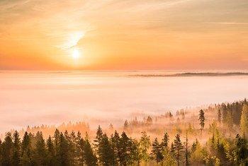 Pôr do sol na região de Alajärvi, Finlândia