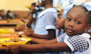 No Haiti, a maioria dos alunos não consegue ir à escola desde o início do ano letivo em setembro.
