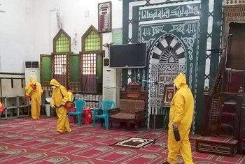 الإجراءات الاحترازية للوقاية من الإصابة بفيروس كورونا في  مساجد أسوان