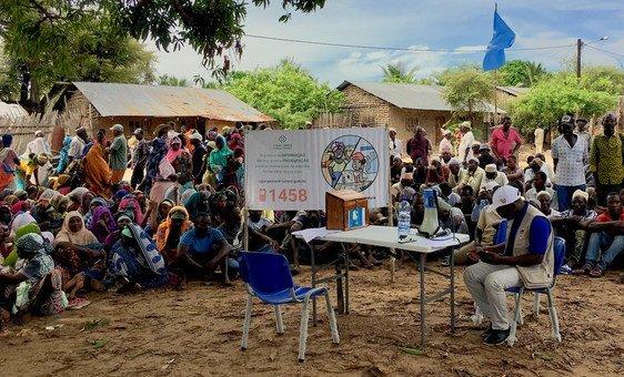 Distribuição de comida em Mocimboa da Praia, província de Cabo Delgado, Moçambique (Arquivo).