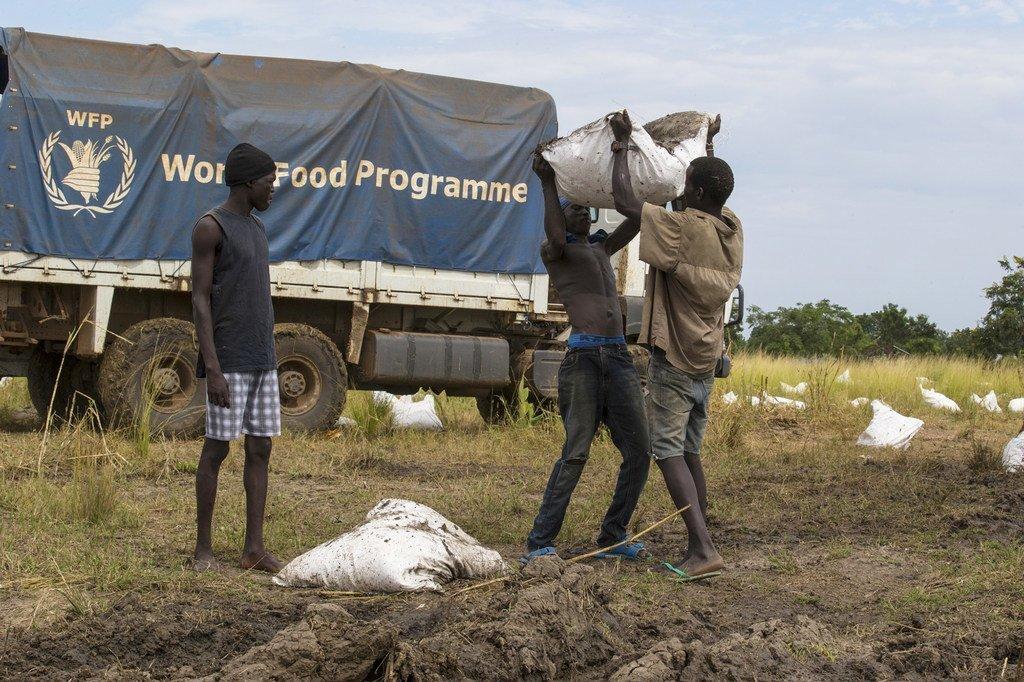 多年来,联合国一直在向饥饿的南苏丹人提供粮食援助。