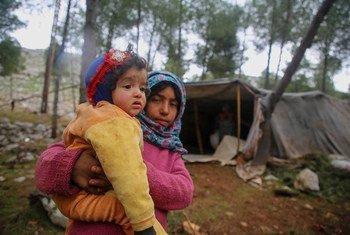 Segundo o Acnur, cerca de 80% dos recém-deslocados são mulheres e crianças e muitos idosos também estão em risco.