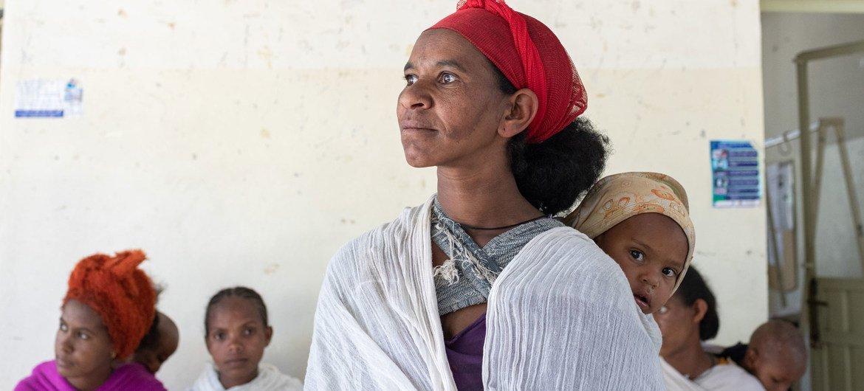 Des personnes déplacées dans un centre de santé au Tigré, en Ethiopie.