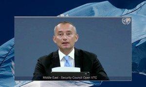 نيكولاي ملادينوف، المنسق الخاص لعملية السلام في الشرق الأوسط، يقدم إحاطة أمام مجلس الأمن عبر دائرة تلفزيونية مغلقة.