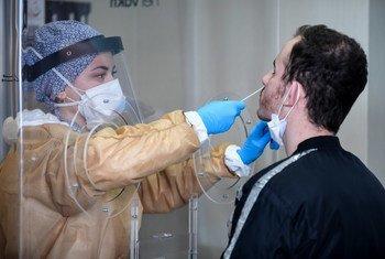 Teste de Covid-19 em hospital de Istanbul, Turquia.