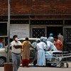 Новая вспышка коронавируса в Индии показала, насколько важно как можно скорее вакцинировать как можно больше людей.