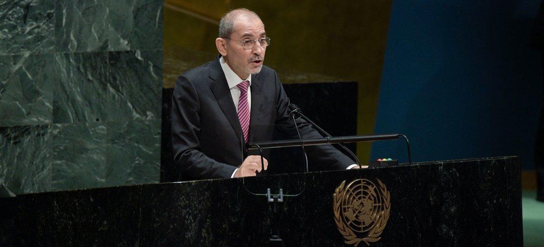 أيمن الصفدي، نائب رئيس الوزراء ووزير الخارجية والمغتربين في المملكة الأردنية الهاشمية، يلقي كلمة أمام اجتماع الجمعية العامة بشأن الحالة في الشرق الأوسط وقضية فلسطين.